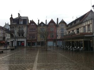 A square in Troyes. Yes, the buildings are leaning.