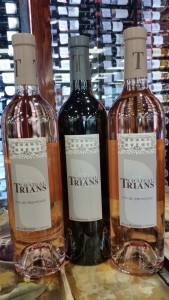 Trians red and rose