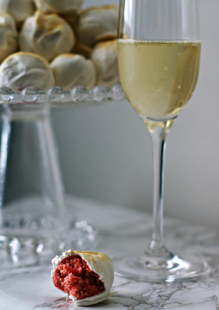 Strawberries & Bubbly Truffles