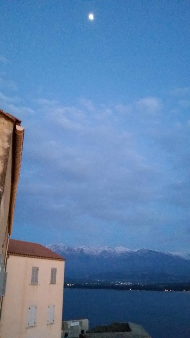 Corsica moon (1)
