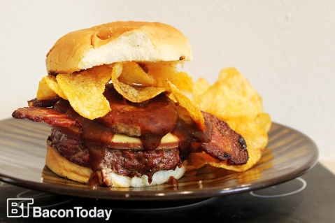 the-ultimate-bbq-bacon-burger.jpg